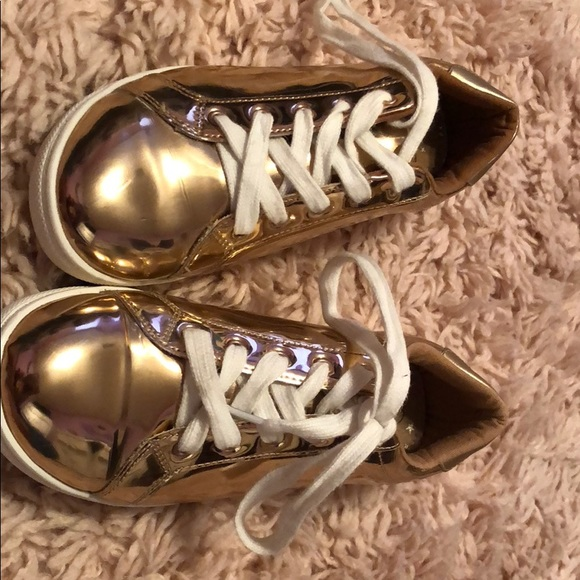 bfc205ae7ad78 Cat & Jack Rose Gold Tennis Shoes